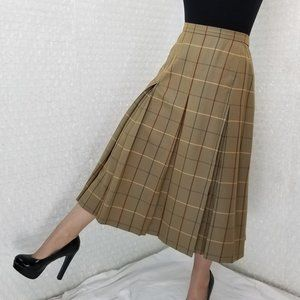 Vintage 1980s Burberrys tan pleated wool skirt